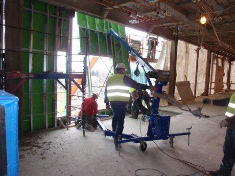 General Contractor Tools and Equipment - EzRig Crane